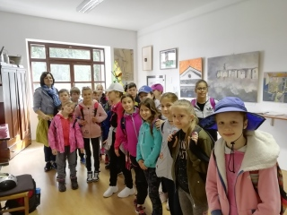 Četrtošolci v galeriji - muzeju