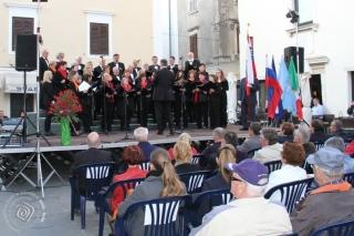 Občinska proslava ob državnem prazniku dnevu upora proti okupatorju.